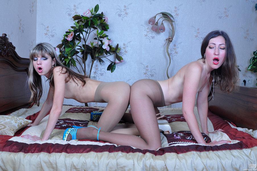 Lesbians grinding in pantyhose sex God!