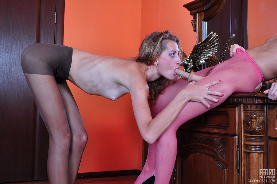 Pantyhose1 :: Abel&Floy lesbian pantyhose duo