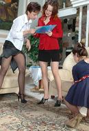 PantyhoseForLadies :: Liloo& Ninon&Susie lesbiche splendide in collant