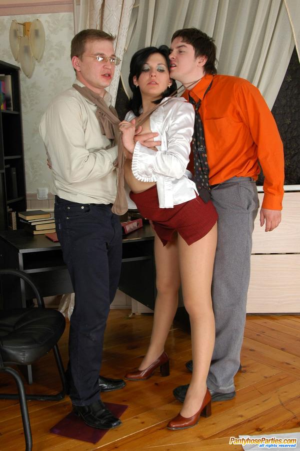 Laura Adam Pantyhose Threesome 7