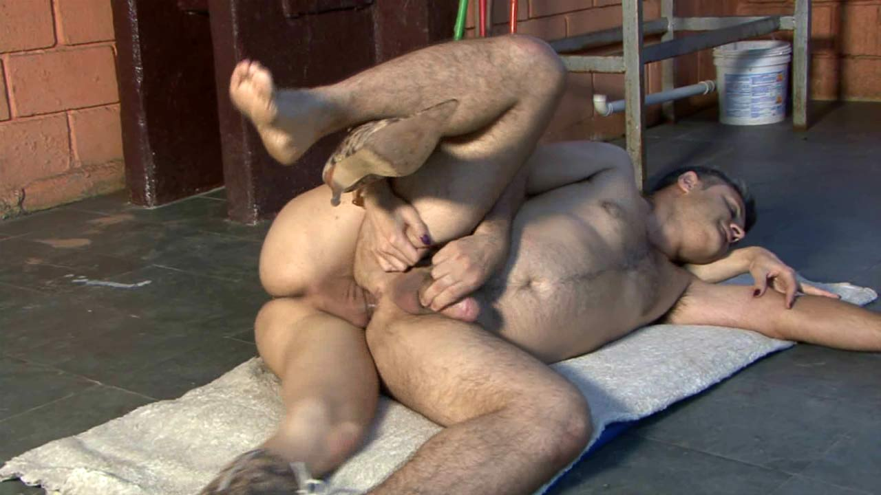 Isabela & Ricardo shemale screwing boy on video