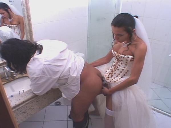 Angelina jolie in lesbian scene