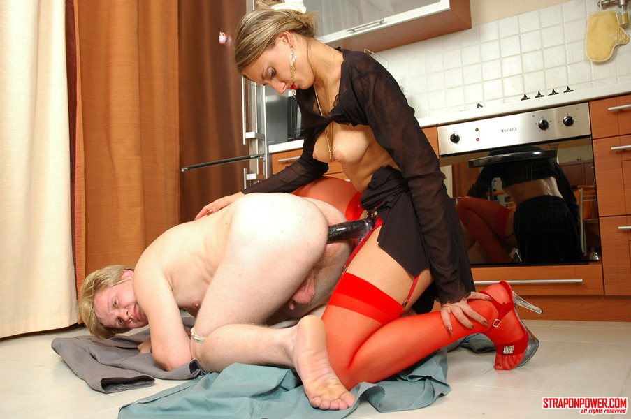 Секс Зрелые Со Страпоном