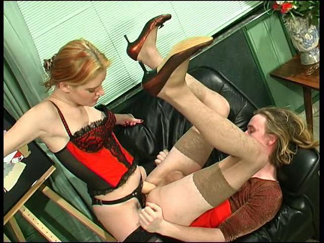 Ninette & Tobias strapon domination movie