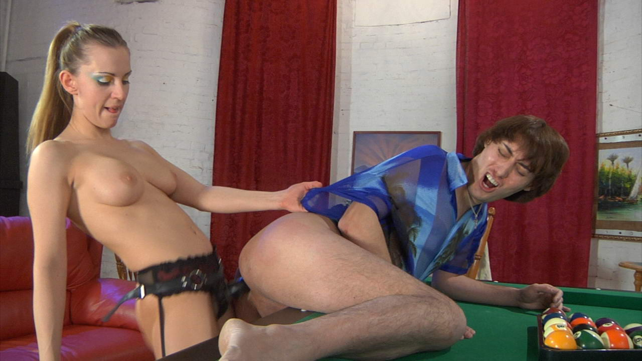 Rosa & Jack horny strapon video