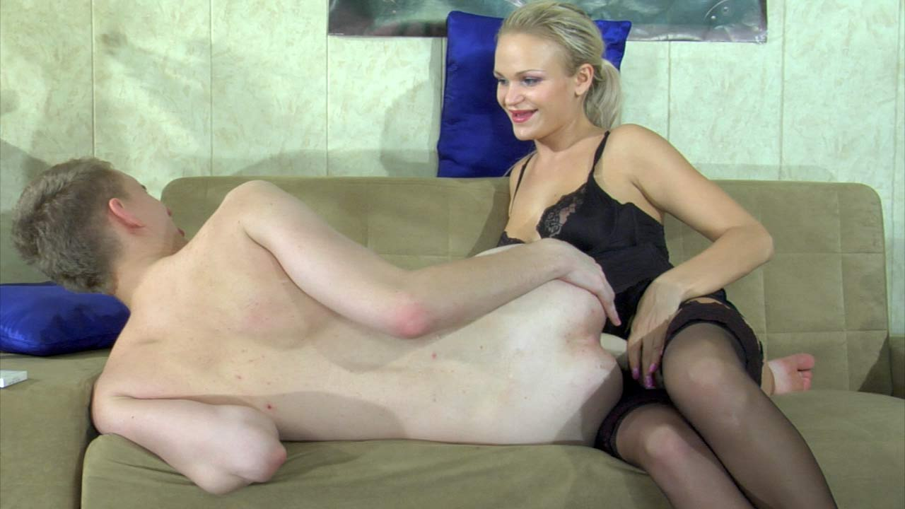 Dolly & Connor nasty strapon movie