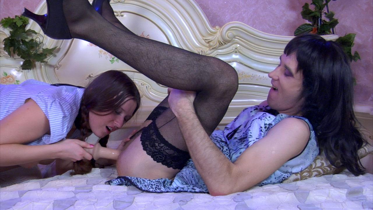 Feminisation forcée humiliation de male  et chantage