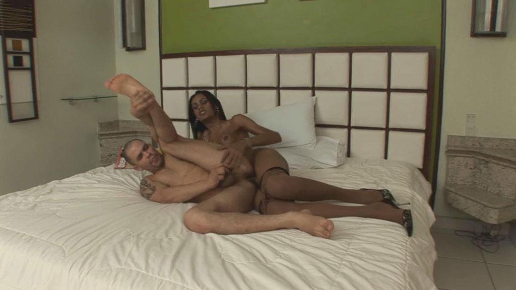 Luana & Claudio tranny pantyhose video
