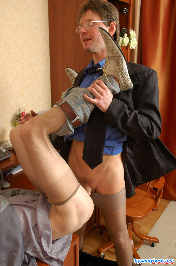 Fellows In Pantyhose Get 32